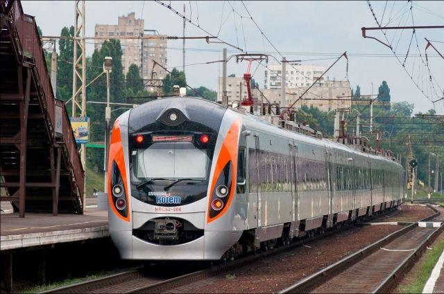 Поезд Киев-Пшемышль попал в ДТП