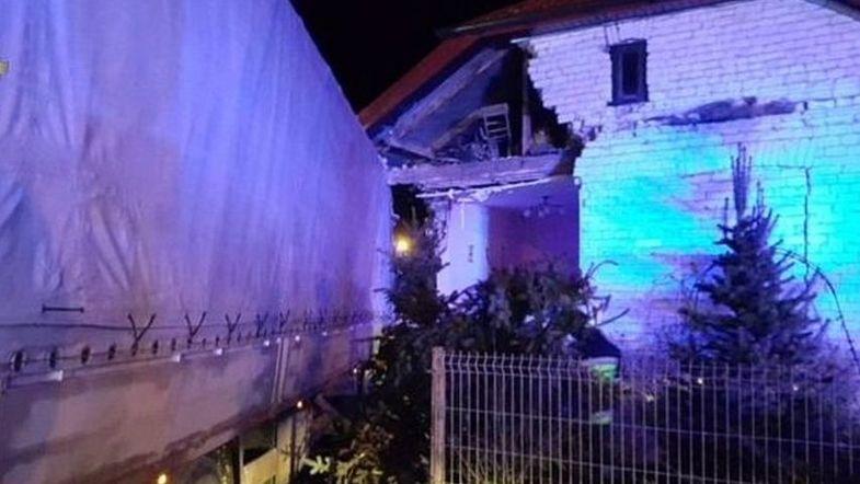 Украинец протаранил дом в Польше