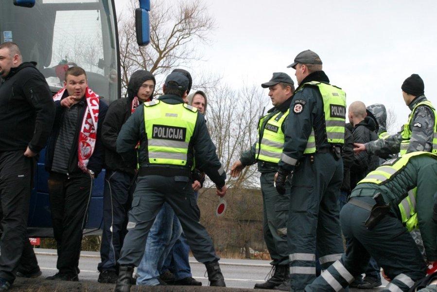 На работу под шафе. Польская полиция остановила автобус с пьяными украинцами