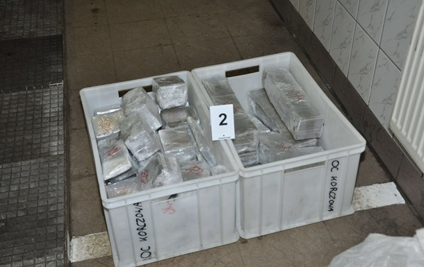 Украинцы осуждены за контрабанду наркотиков