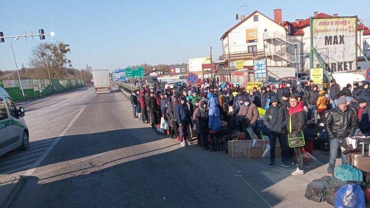 Что происходит с украинскими заробитчанами в Польше после продления карантина