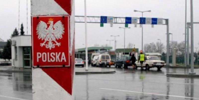 Все больше украинцев не пускают в ЕС по безвизу