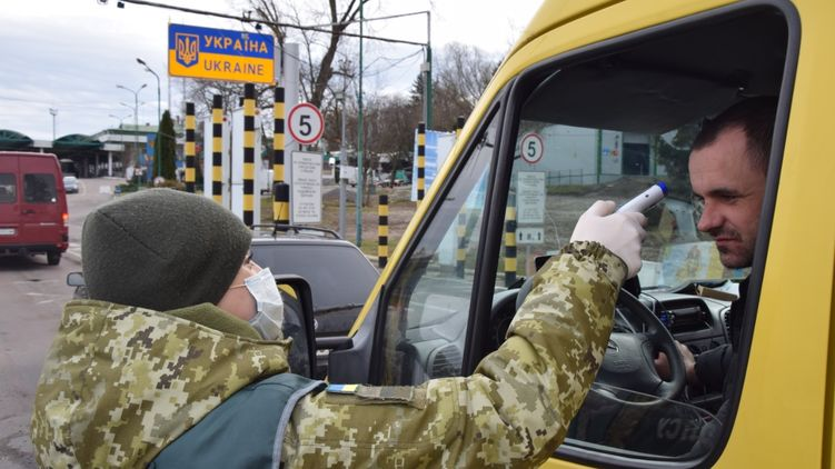 Заробитчане массово возвращаются в Украину из-за коронавируса