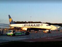 Боинг-373 компании Ryanairв аэропорту города Быдгощ
